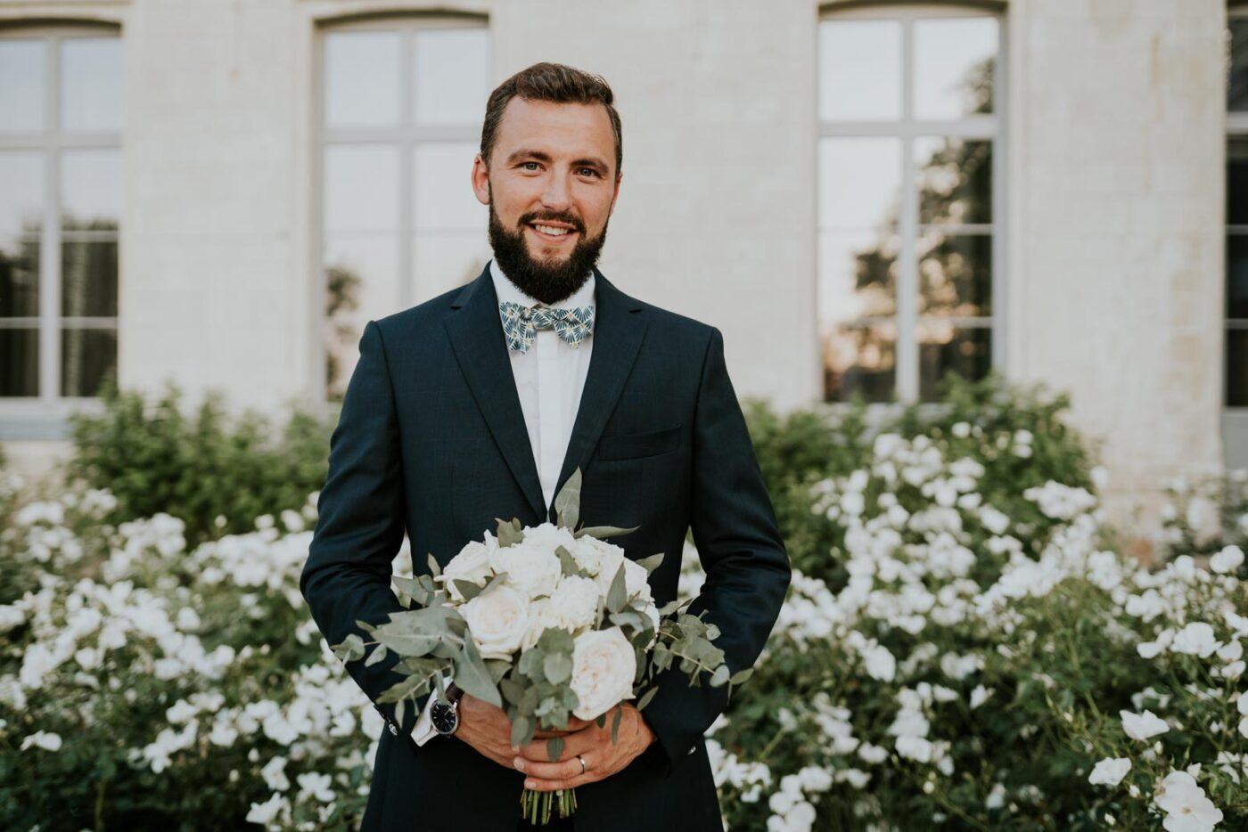 Jérémy avec le bouquet de la mariée…