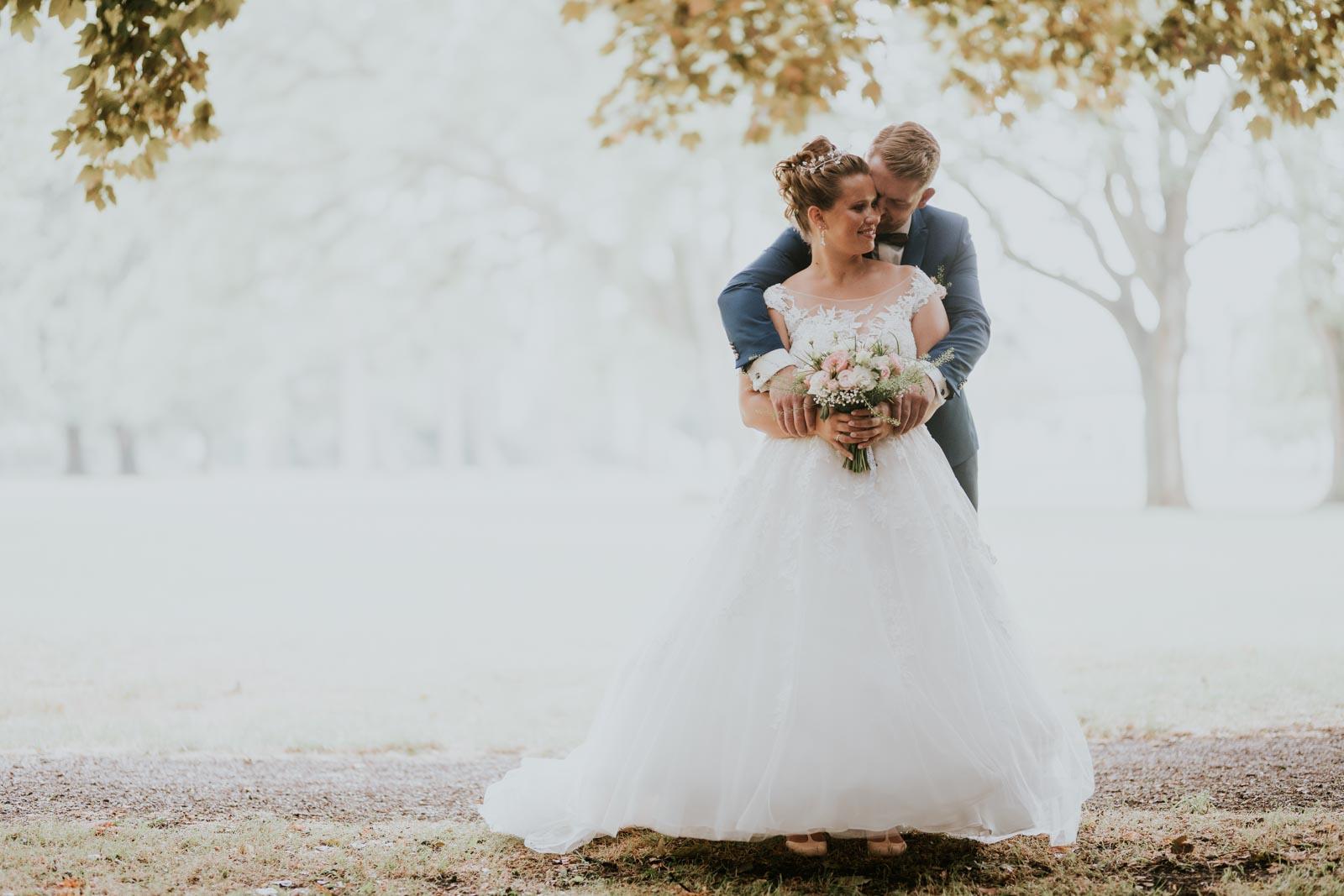 Dans les bras d'Alexandre… Photographe mariage Lille…