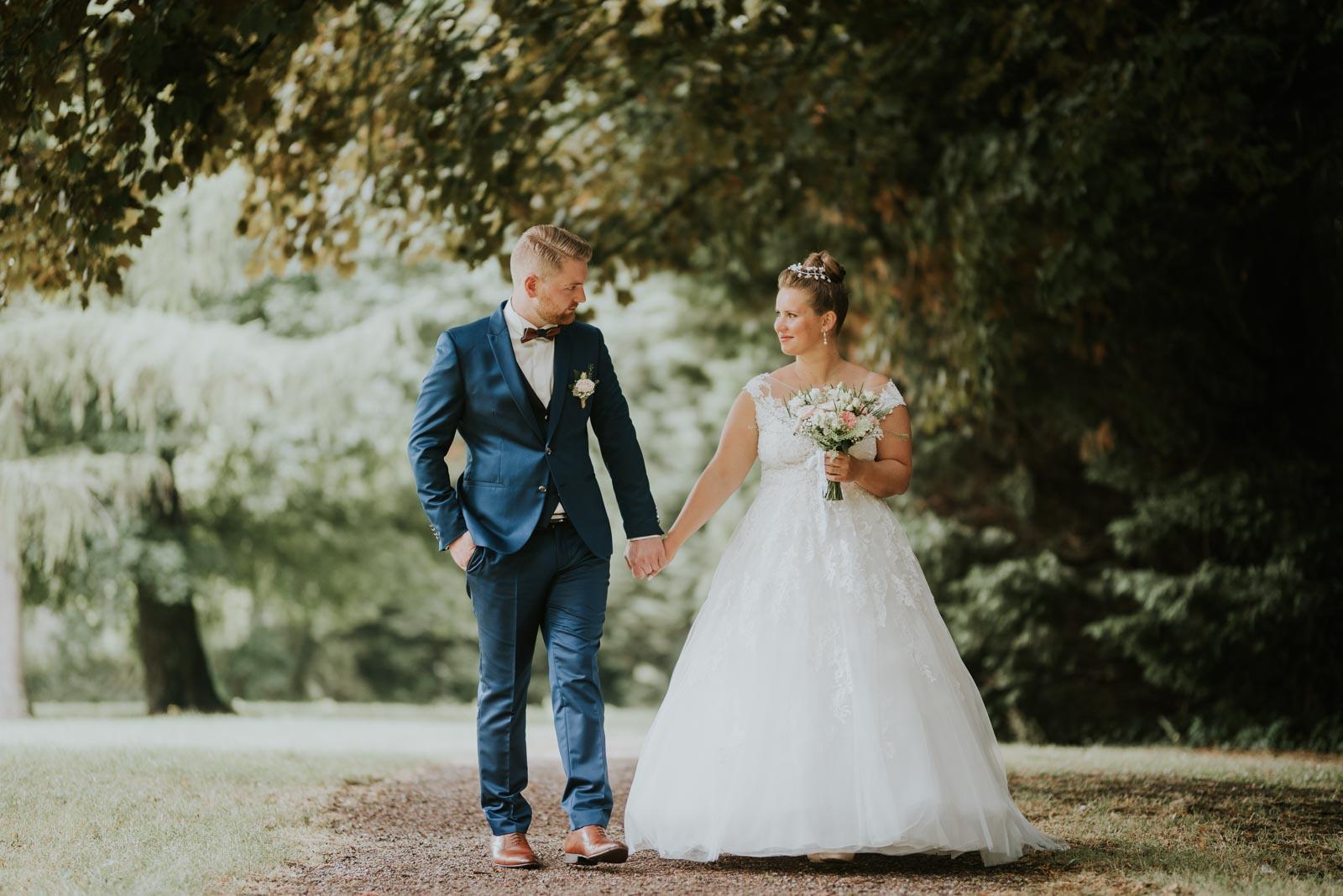 Sur le chemin… Photographe mariage Lille…