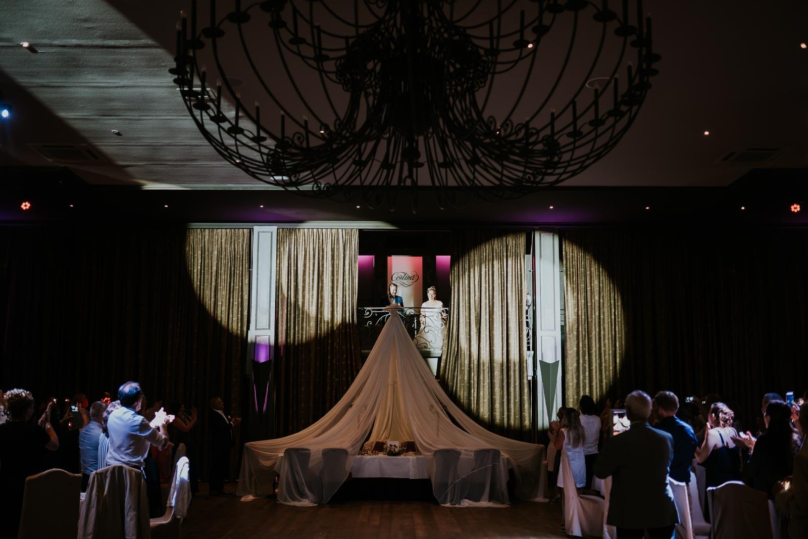 Les mariés sous les projecteurs…