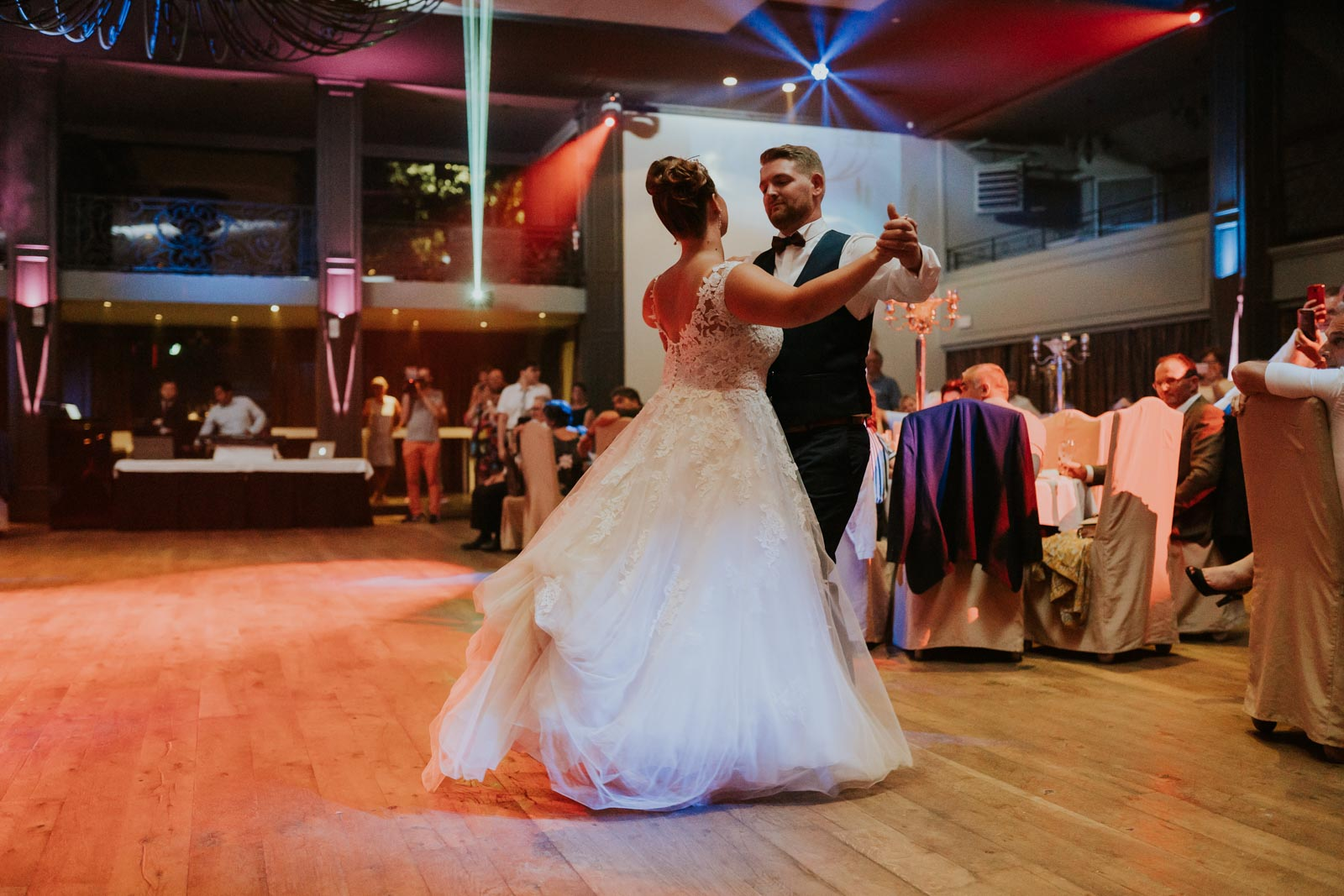 First danse ! Salons Cortina