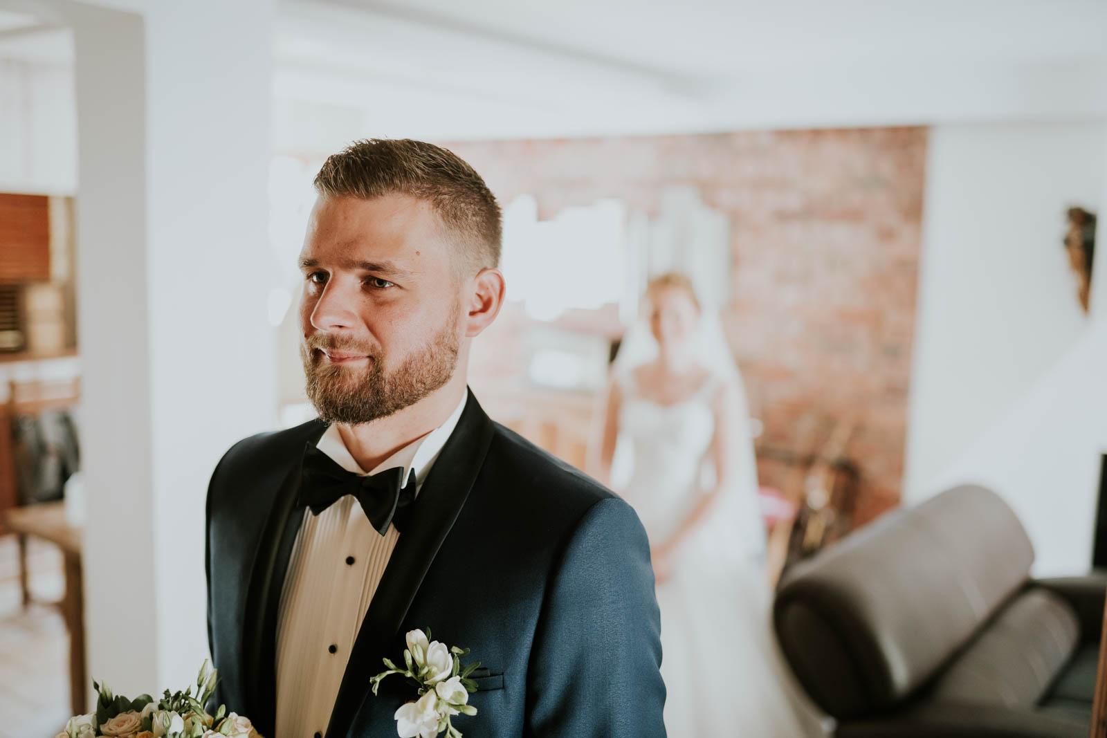 First look, première rencontre des mariés…