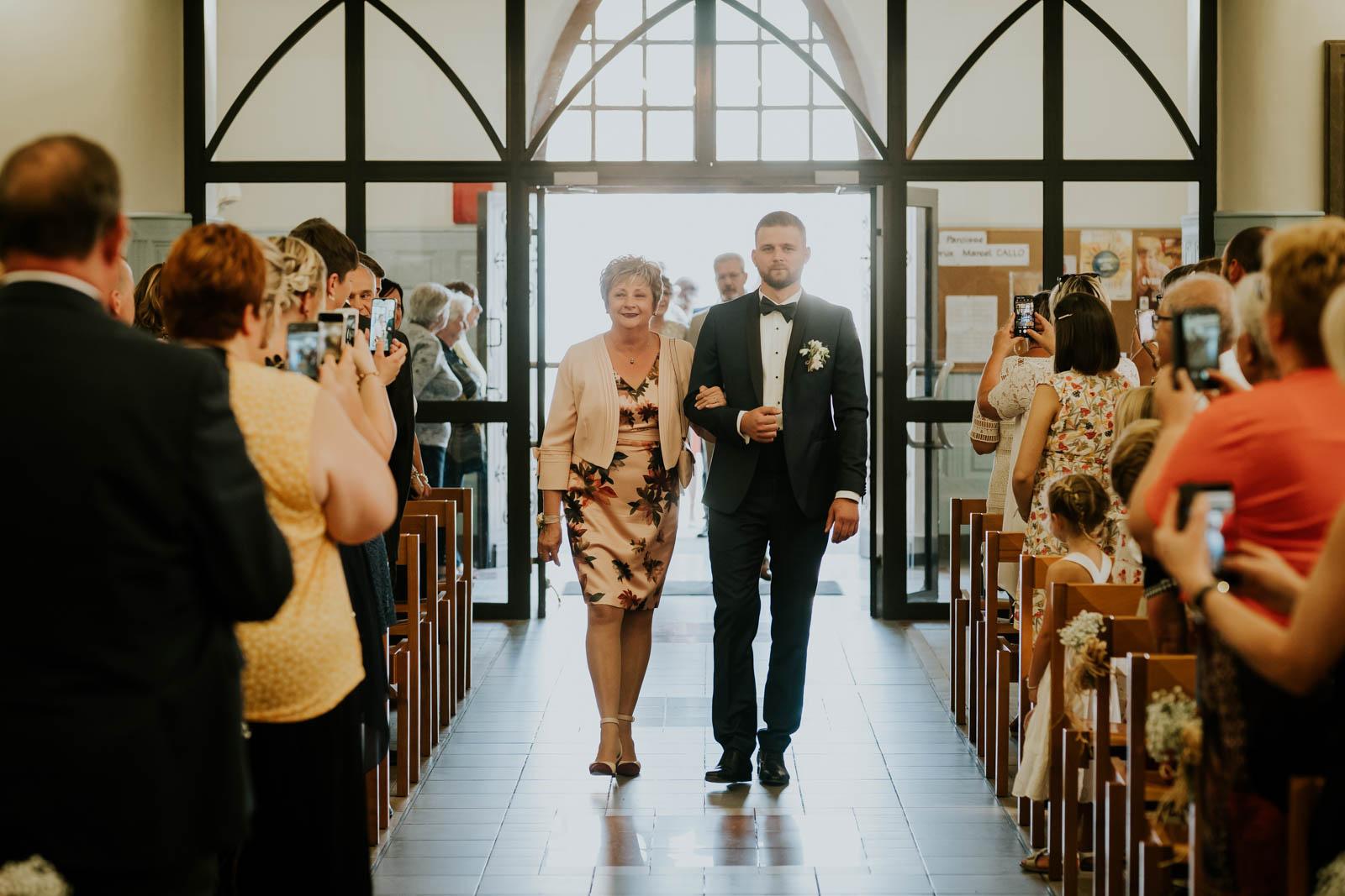 L'arrivée du marié…