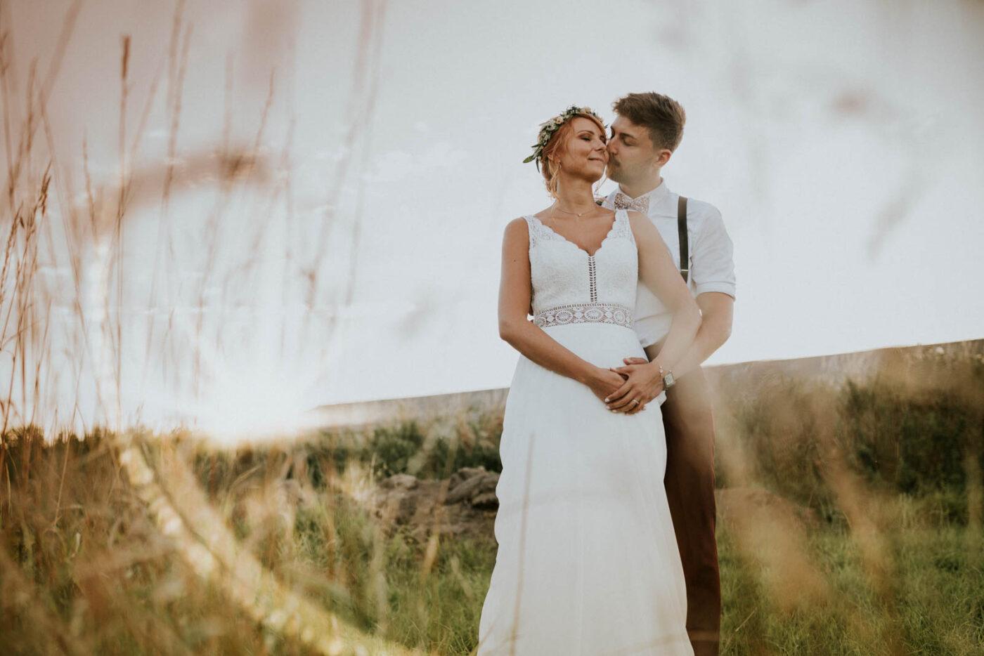 Mariés au coucher du soleil - Carré du Hélin